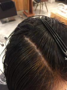 東京銀座くせ毛専門,ハナヘナナチュラルの染まり具合、オレンジ色