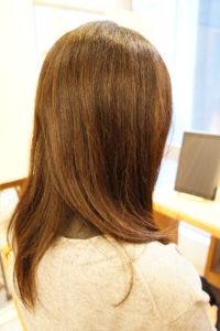 東京銀座くせ毛専門,縮毛矯正と白髪染めの40代女性。
