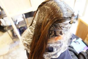 東京銀座くせ毛専門,縮毛矯正を表面だけにかける