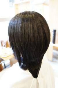 東京銀座くせ毛専門,縮毛矯正後、表面にレイヤーが入りすぎてる髪