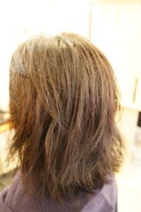 東京銀座くせ毛専門、湿気でうねる髪