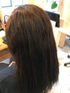 東京銀座くせ毛専門、40代女性、半年以上くせ毛が伸びてる髪