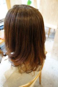 東京銀座くせ毛専門、40代女性、縮毛矯正とパーマで毛先に動きを出す