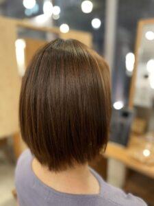 東京銀座細い髪へ縮毛矯正をかける