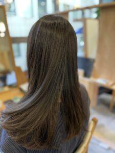 東京銀座 縮毛矯正した髪にデジタルパーマでカールをつけた状態